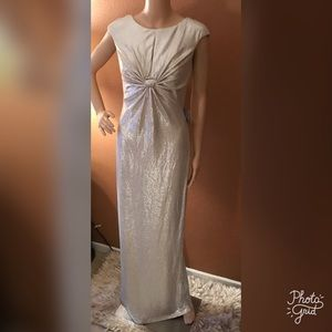 NWT Vince Camuto Twist Front Gold Metallic Gown
